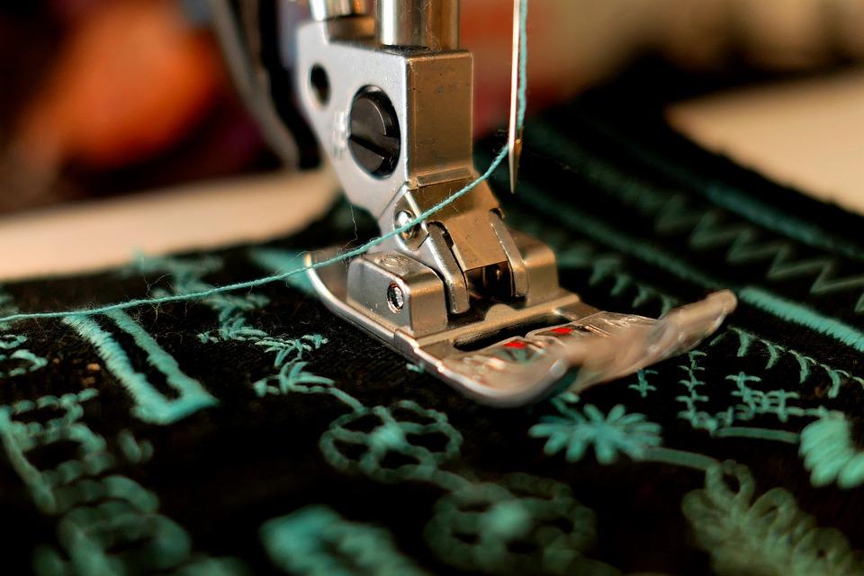 patička šicího stroje