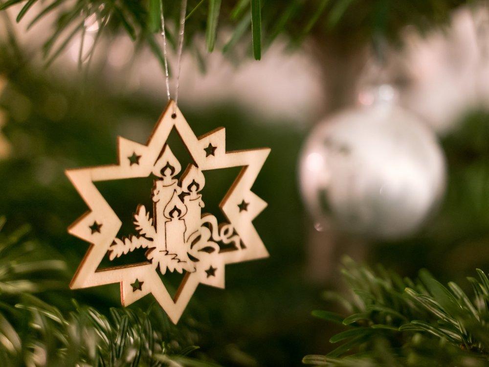 Dřevěná vánoční hvězda - vánoční dekorace