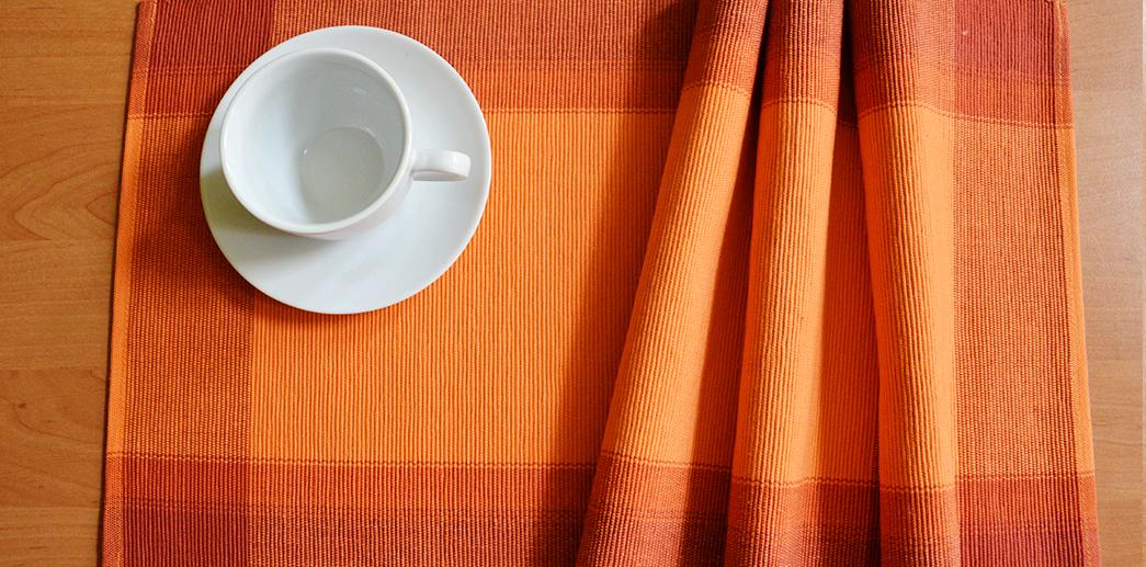 Oranžové prostírání