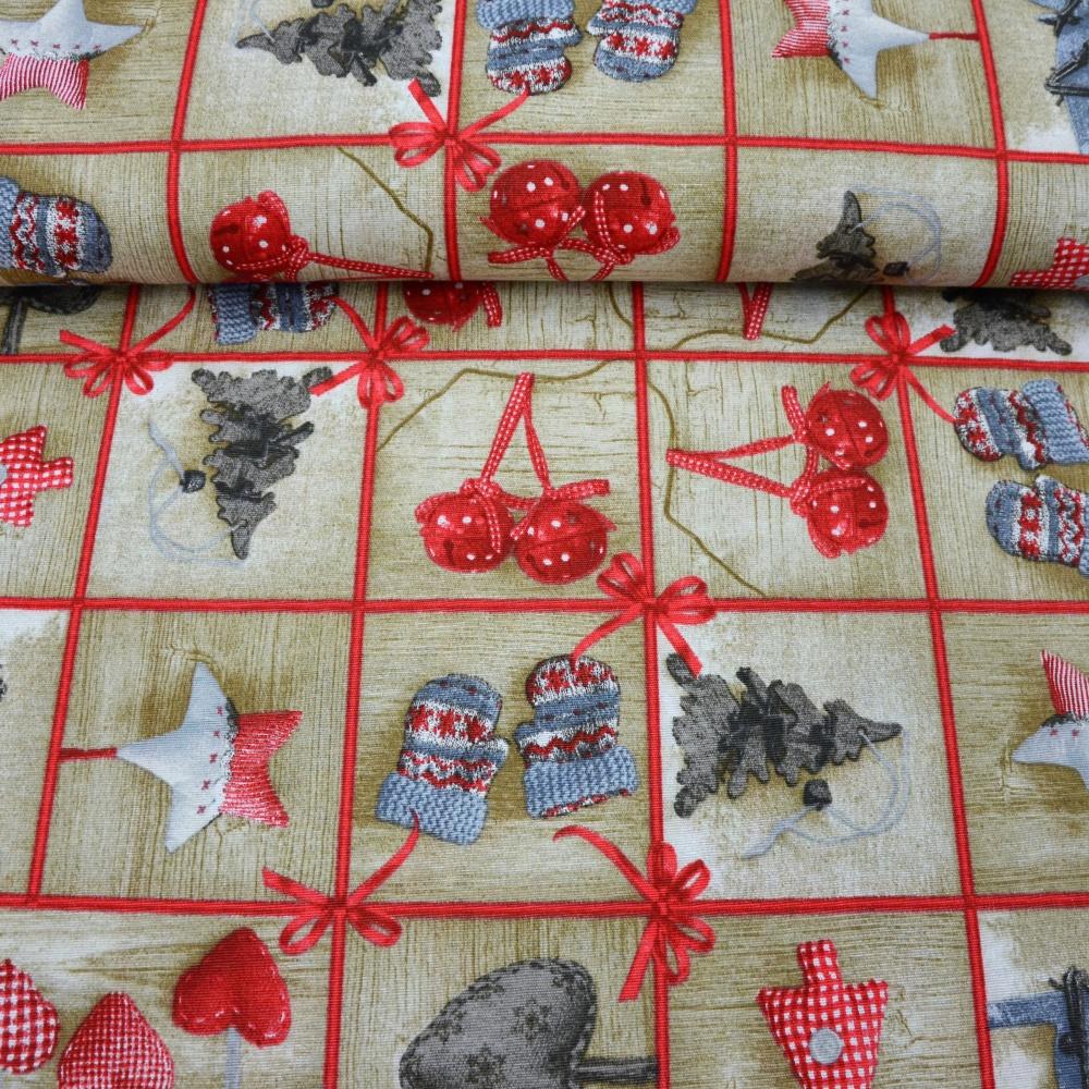 vzorovaný vánoční ubrus
